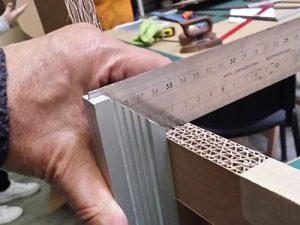 Atelier loisirs fabrication de mobilier en carton, mesure