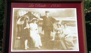 Photo de famille, gravure sur carton
