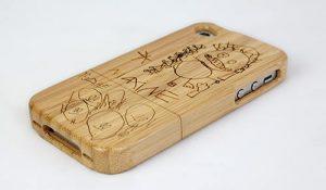 Gravure au laser de coque de téléphone en bois