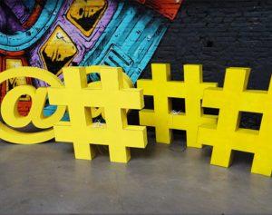 Arobases et Hashtag pour inauguration de l