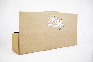 Boîte bouteille en carton personnalisée par gravure et découpe laser