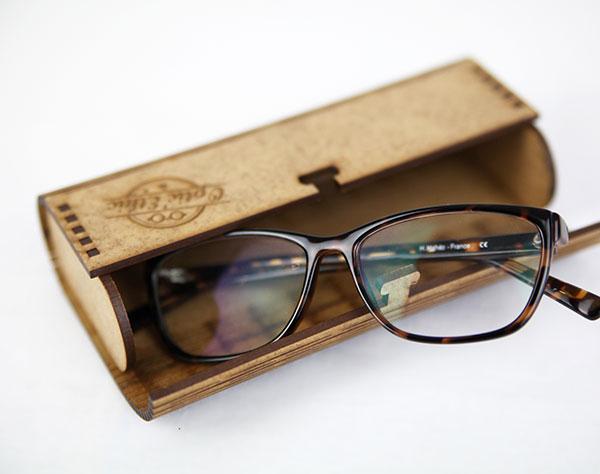Étui à lunette en bois, gravure et découpe laser